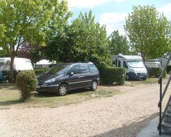 Emplacement délimité de 100 à 150m² camping Le Pô Doré Saumur